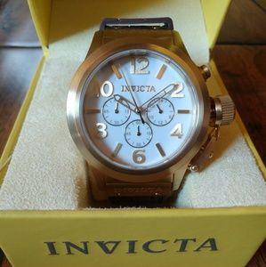 Invicta Dive Watch White Face/Brown Rubber Strap